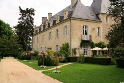 Chateau de Loire + Coach House
